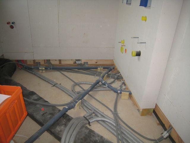 Elektroinstallation gartenhaus for Wasseranschlusse kuche